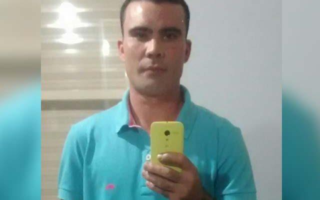 Alessandro de Oliveira Aoki, 34 anos, morreu depois de ser alvejado por 10 disparos de pistola .380. Foto: Facebook/Reprodução