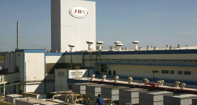 A unidade da JBS em Lins (SP) onde aconteceu o acidente é dedicada à fabricação de produtos de limpeza e higiene — Foto: J.Serafim/Divulgação