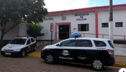 O indivíduo foi encaminhado ao plantão policial de Mirandópolis, onde fora autuado em flagrante delito pelo crime de tentativa de homicídio qualificado. Foto: guararapessorrisonews