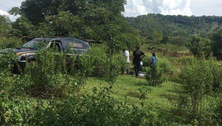Vítimas foram encontradas mortas em colchão — Foto: José Pereira/TVCA.