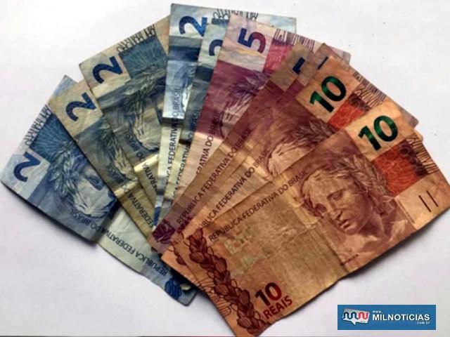 Foram apreendidos 49 gramas de crack, 7 gramas de cocaína, R$ 61,00 em notas diversas. Foto: DIVULGAÇÃO