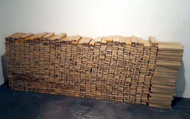 Mais de 830 quilos de maconha foram apreendidos em Urupês — Foto: Arquivo pessoal
