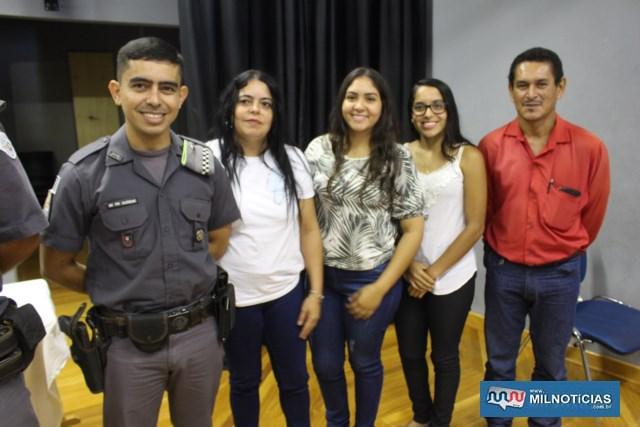 Láureas do Mérito Pessoal em 4º GRAU: Soldado PM Paulo Sérgio Costa de Alencar, com a familia. FOTO: MANOEL MESSIAS