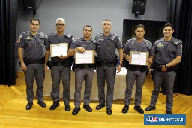 PMs DESTAQUE DE FEVEREIRO: 1º sargento PM Vacirlei, Cabos PMs Teodoro e Ronaldo. Foto: MANOEL MESSIAS/Mil Noticias