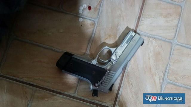 Pistolas foram apreendidas após o confronto e apresentadas na Polícia Civil de Bauru. Foto: DIVULGAÇÃO/PM