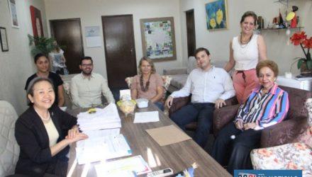 A diretora, Martha Helena Pimenta elogiou o trabalho que o município vem executando nessa área. Foto: Secom/Prefeitura