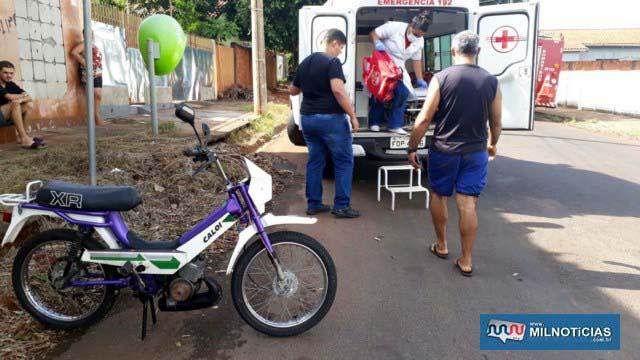 Sogro da vítima e piloto da Mobilete, foi socorrido pelo serviço de ambulância do município. Foto: MANOEL MESSIAS/Agência