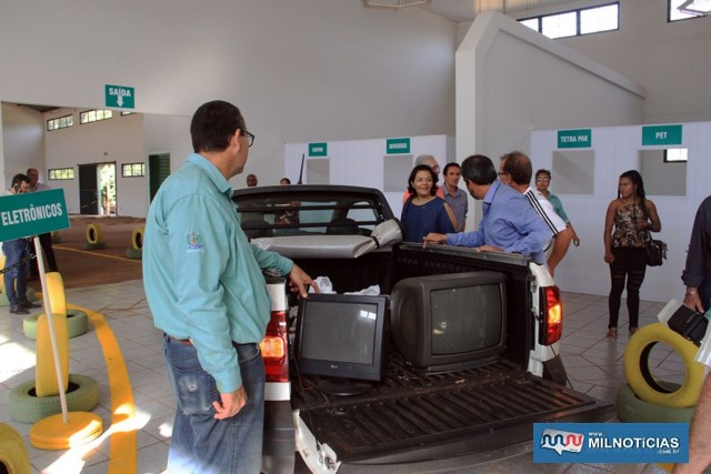 A denominação de drive thru vem sendo dada porque o usuário do serviço entrará com o veículo no prédio e deixará seu material a ser descartado. Fotos: Secom/Prefeitura