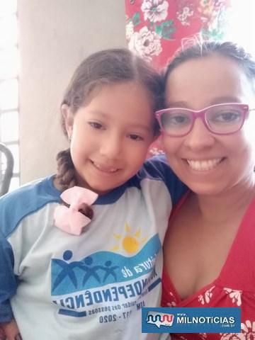 Rita Pereira, mãe da pequena Maria Rita, elogiou a atitude da administração. Foto: Secom/Prefeitura