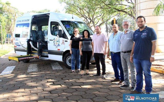 Nova van de transporte de passageiros com acessibilidade para cadeirantes. Foto: Secom/Prefeitura