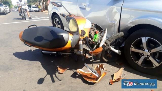 Motoneta Biz teve a carenagem da parte da frente completamente destruída, além de outras avarias. Foto: MANOEL MESSIAS/Agência