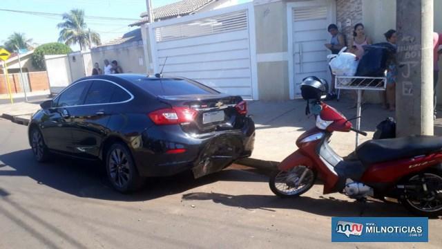 Acidente aconteceu quando piloto da moto acessava a rua Guiomar Soares Andrade e bateu na traseira de automóvel parado. Foto: MANOEL MESSIAS/Agência