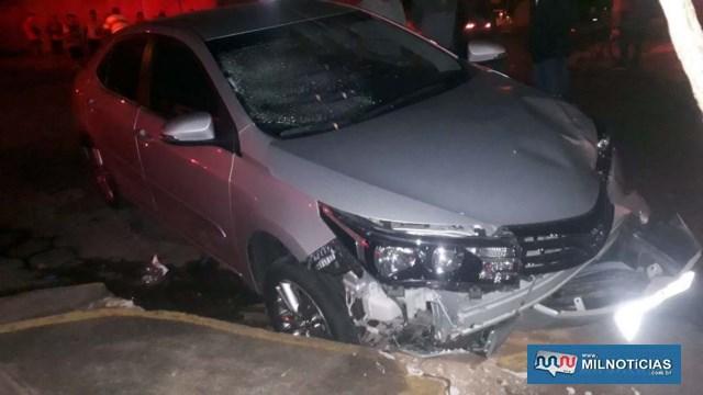 Toyota Corolla sofreu amassamento do capô, quebra do parachoque e do parabrisa, todos dianteiros. Foto: MANOEL MESSIAS/Agência