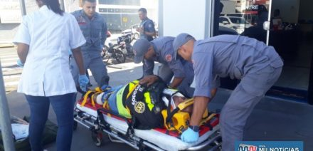 Piloto de aluguel sofreu uma pancada na canela e escoriações no joelho da perna esquerda. Foto: MANOEL MESSIAS/Agência