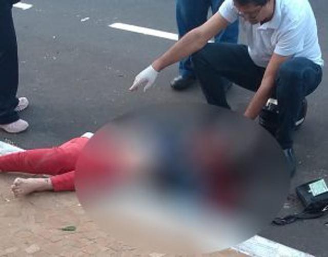 Mulher não resistiu aos ferimentos e morreu no local. Foto: RP10
