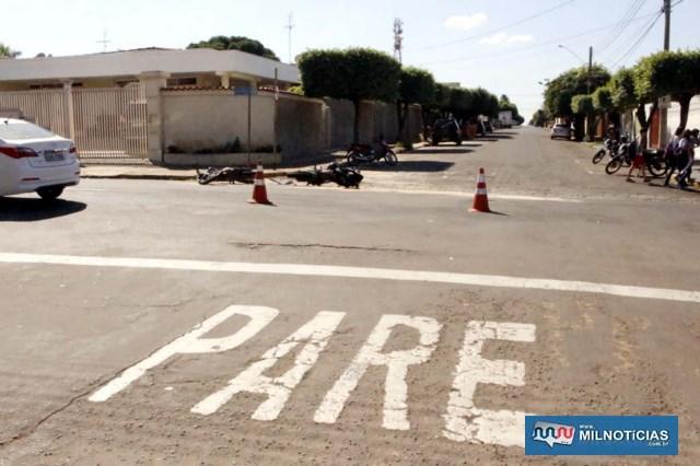 Acidente aconteceu porque condutor da Titan FAN invadiu a sinalização de trânsito. Foto: MANOEL MESSIAS/Agência