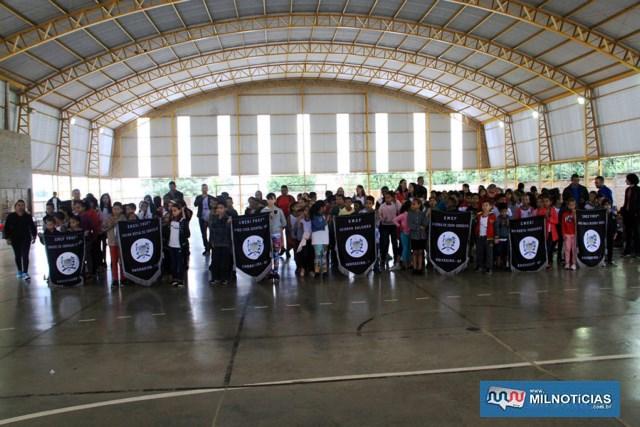 Campeonato de Atletismo das Escolas Municipais de Andradina é encerrado com festa e premiação. Fotos: Secom/Prefeitura