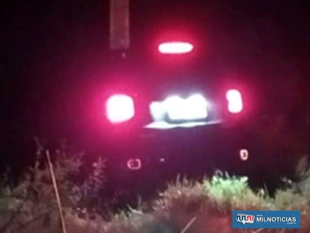Jeep Renegade ficou atolado na vicinal entre Murutinga do Sul à Andradina. Foto: DIVULGAÇÃO