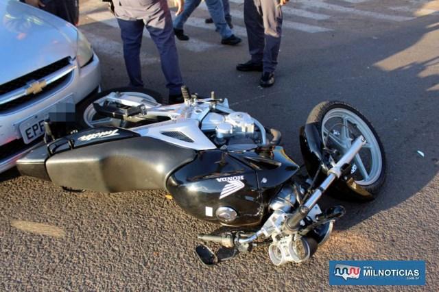 Motocicleta sofreu entortamento do pedal do câmbio, estribo, riscos no tanque e uma das bengalas danificadas. MIL NOTICIAS/Agência