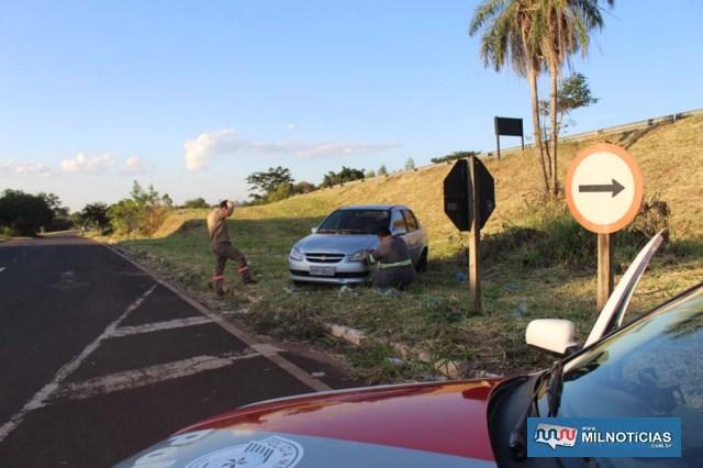 Acidente aconteceu quando motorista de Corsa avançou para melhorar seu campo de visão, assustando entregador de remédios. MIL NOTICIAS/Agência