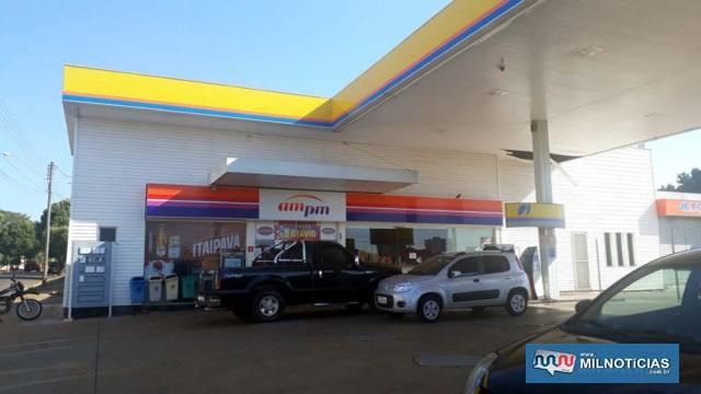 Conveniência de posto de gasolina desativado esta localizado na rua Bandeirantes com Paulo Marin. Foto: MANOEL MESSIAS/Agência
