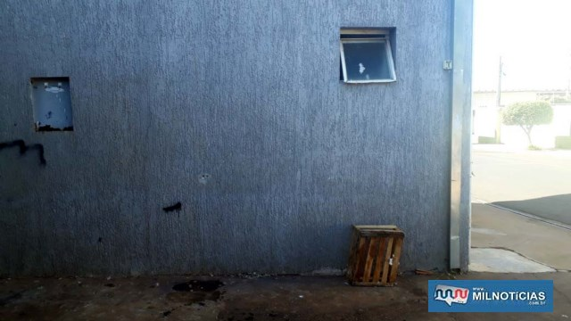 Adolescente usou a mesma janela arrombada anteriormente para entrar na conveniência e praticar o furto. Foto: MANOEL MESSIAS/Agência