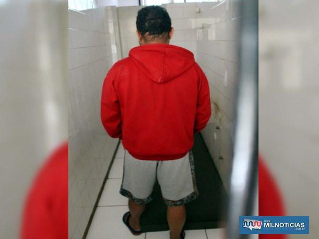 Acusado foi indiciado por tráfico de entorpecente permanecendo à disposição da justiça e encaminhado na terça-feira à audiência de custódia. Foto: MANOEL MESSIAS/Agência