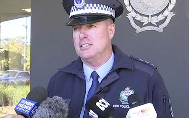 O policial Darren Williams, da polícia da Nova Gales do Sul. — Foto: Australian Broadcasting Corporation via AP.