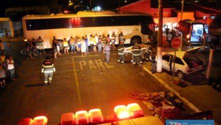 Acidente aconteceu no cruzamento das ruas Dom Bosco e Itararé, ao lado do campo de futebol do jardim das Àguas. Foto: MANOEL MESSIAS/Agência