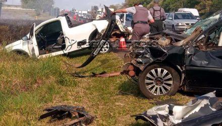 Acidente provocou engavetamento envolvendo seis veículos na Rondon. Fotos: Regional Press e internautas