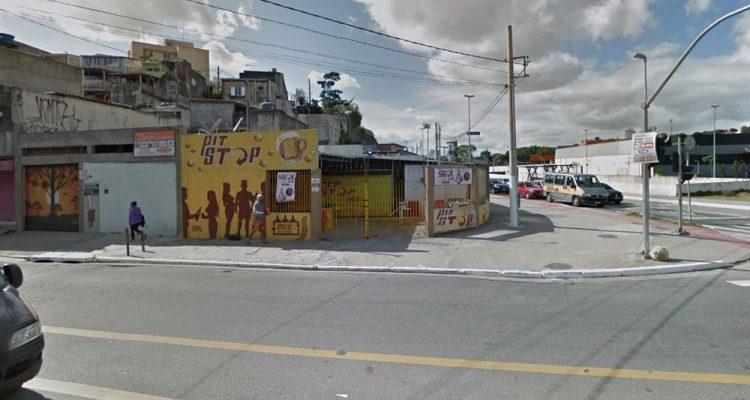 Homem interveio em discussão por ciúmes entre ex-casal e acabou morto em bar em SP — Foto: Google Street View/reprodução.