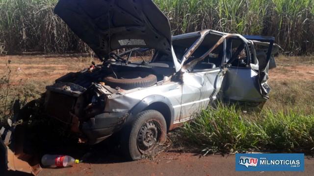 Veículo Fiat Uno ficou completamente destruído após o acidente. Foto: MANOEL MESSIAS/Agência