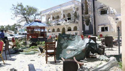 Operação contra grupo militante islâmico deixa mortos na Somália — Foto: Associated Press.