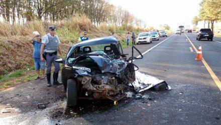 Acidente entre camionete e automóvel em Pontalinda  deixa uma vítima fatal. Fotos: A Voz das Cidades