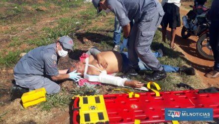 Mototaxista sofreu uma forte luxação da clavícula do ombro direito. Foto: MANOEL MESSIAS/Agência