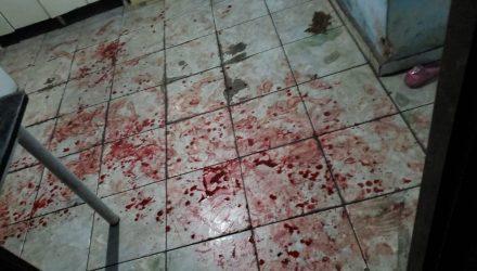 Mulher foi levada para o hospital depois de ser esfaqueada por companheiro — Foto: Arquivo Pessoal.