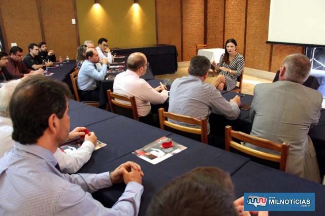 Reunião contou com policiais civis de várias esferas, além dos delegados seccionais de Araçatuba e Andradina. Foto Marianna Oliveira