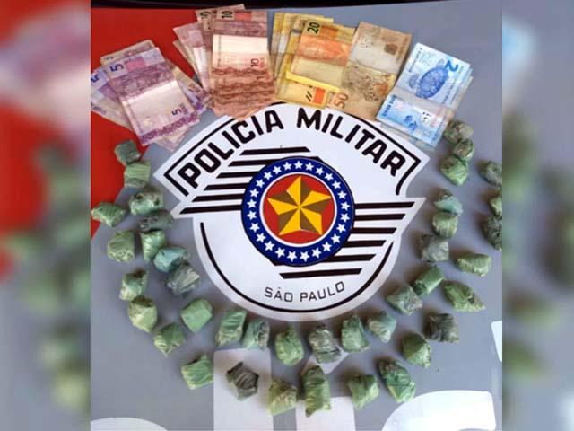 Suspeito foi preso ao ser flagrado com 40 porções de maconha. Foto: DIVULGAÇÃO
