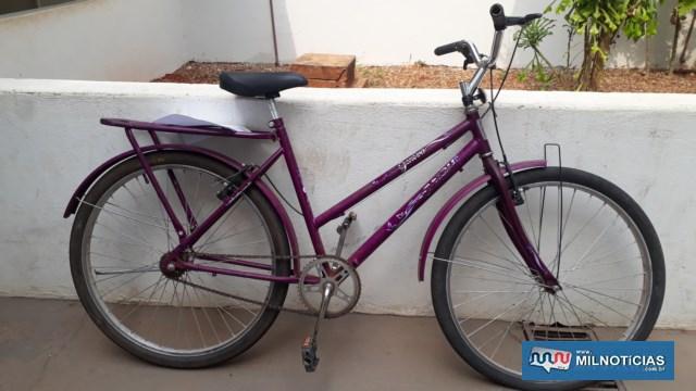 Bicicleta que o homem estava foi apreendida para verificar sua procedência. Foto: MANOEL MESSIAS/Agência