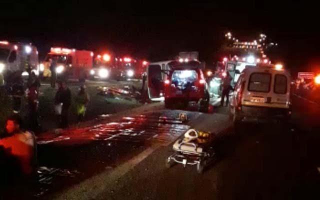 Acidente foi em alça de acesso para a Rodovia Raposo Tavares (SP-270) — Foto: Sandra Martins/Cedida.