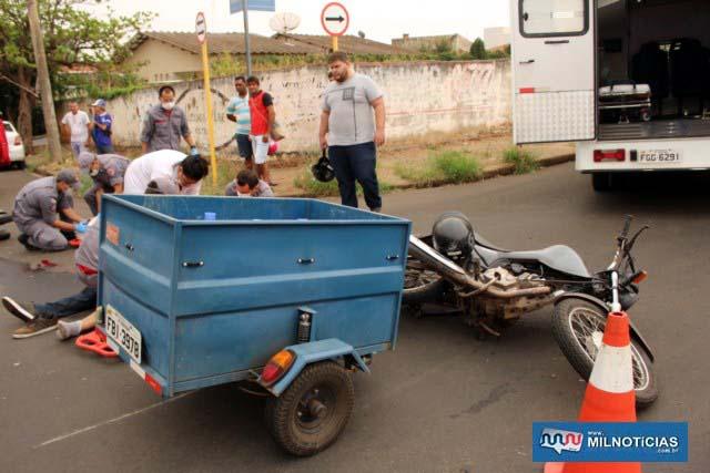Moto de entrega de água e gás sofreu poucas avarias, mesmo com a forte pancada da outra moto. Foto: MANOEL MESSIAS/Agência