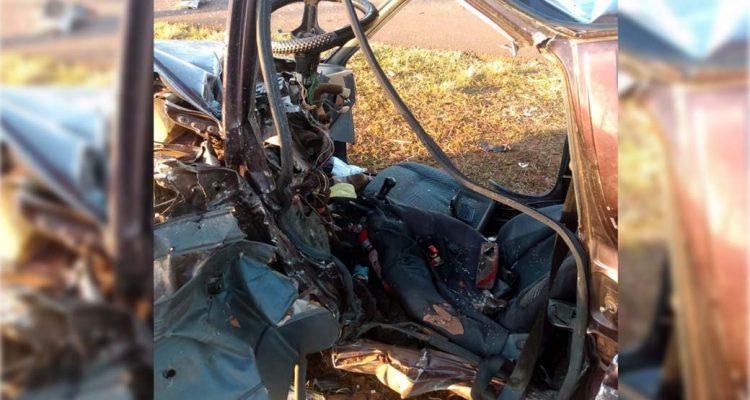 Carro ficou completamente destruído depois do acidente — Foto: Arquivo pessoal