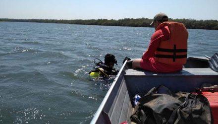 Bombeiros fizeram buscas e encontraram corpo do homem a uma profundidade de 12 metros no Lago Romancini, que fica no Rio Verde — Foto: Corpo de Bombeiros de Mato Grosso/Divulgação.