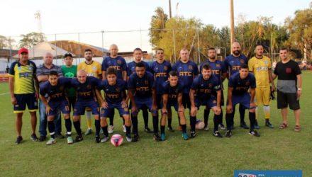 Campeonato reúne atletas veteranos acima de 34 anos. ATC começa bem defendendo o título. Fotos: MANOEL MESSIAS/Mil Noticias