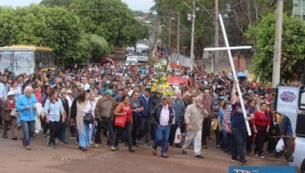 Milhares de fiéis participam de uma das maiores manifestações religiosas do Noroeste Paulista. Fotos: MANOEL MESSIAS/Mil Noticias