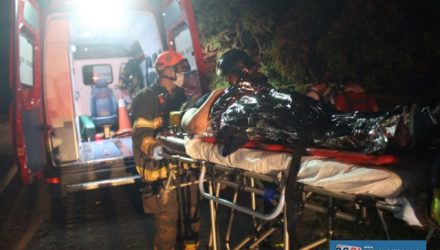 Mulher foi socorrida pelos bombeiros e resgate da Via Rondon até a UPA - Unidade de Pronto Atendimento, permanecendo em observação. Foto: MANOEL MESSIAS/Agência