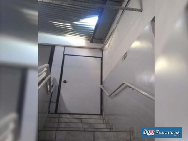 Menor infrator arrombou telhado e desceu por uma escada até o supermercado, praticando o furto. Foto: DIVULGAÇÃO