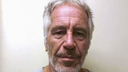 Jeffrey Epstein, preso por crimes sexuais, em fotografia tirada pela divisão criminal de Justiça de Nova York — Foto: New York State Division of Criminal Justice Services/Handout/File Photo via REUTERS.