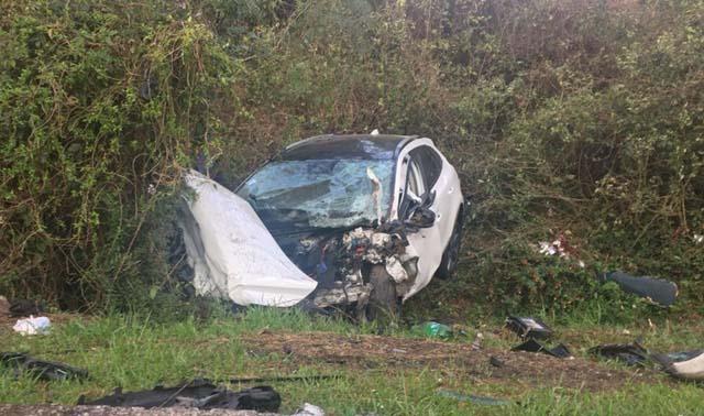 Ocupante do outro veículo foi levado para o hospital em estado grave. — Foto: Juliano Castro/RBS TV.
