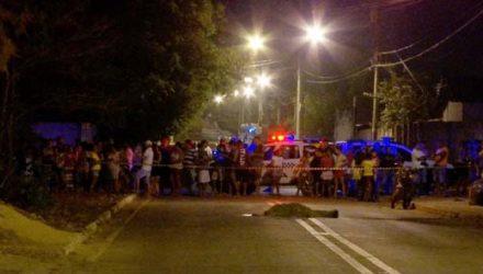 Vigilante foi abordado por homem e morto a tiros quando ia para casa de bicicleta em Várzea Grande — Foto: TV Centro América.